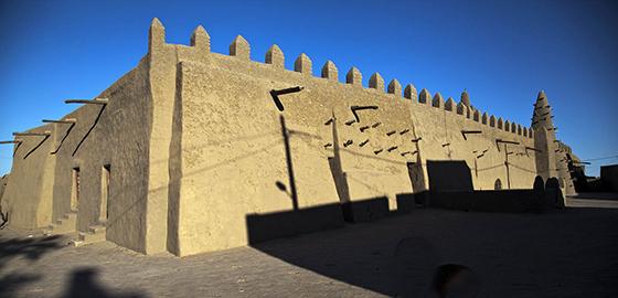 Djingarey Berre Mosque, Timbuktu, Mali, 1327 (photo: MINUSMA/Marco Dormino, CC BY-NC-SA 2.0)