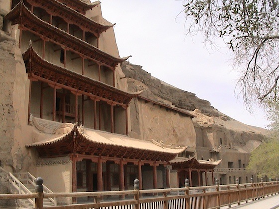 Mogao Caves (photo: Yaohua2000, CC: BY-SA 3.0)