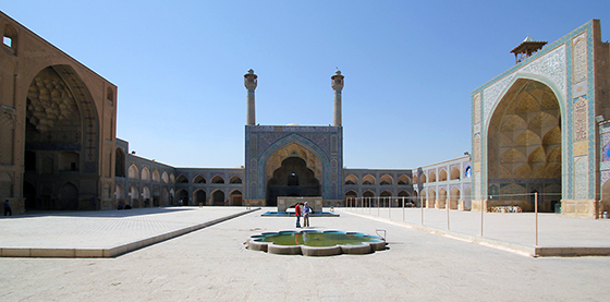 View of three (of four) Iwans, Great Mosque of Isfahan, Iran, 11th - 17th centuries, looking toward the south (qibla) iwan (photo: reibai, CC BY 2.0)