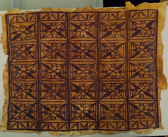 Barkcloth Panel (Siapo), Samoa, early 20th century, 139.7 x 114.3 cm (The Metropolitan Museum of Art)