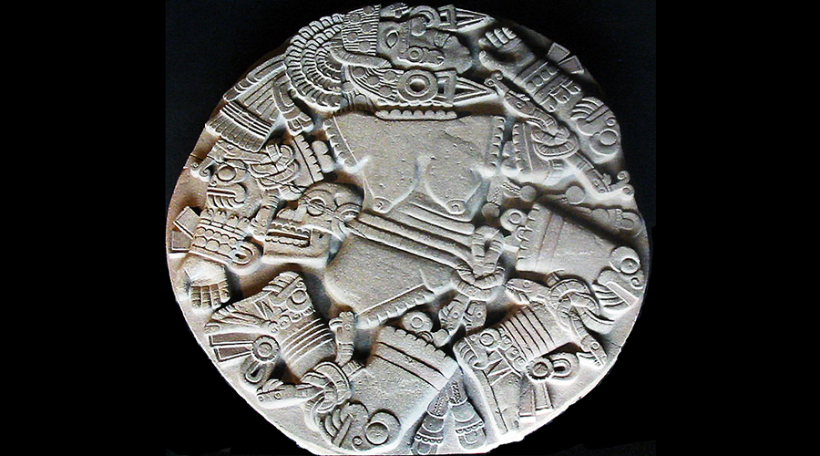 The Coyolxauhqui Stone, c. 1500. volcanic stone, found: Templo Mayor, Tenochtitlan (Museo del Templo Mayor, Mexico City) (photo: Thelmadatter, public domain)