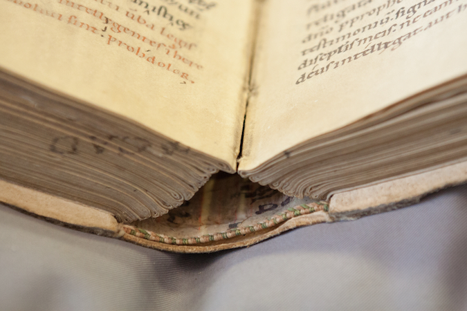 Quires bound together, Irenaeus of Lyons, Leiden, University Library, MS VLF 33, 1300-1350 (photo: Giulio Menna)