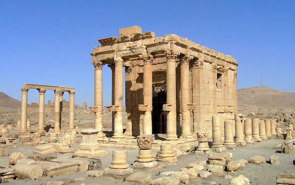View of the porch with free-standing columns, and a pilaster visible on the flank, Temple of Baal Shamin, 1st century C.E. (Palmyra—in modern Syria) (photo: Juan Llanos, CC BY-ND 2.0), CC BY 2.0)