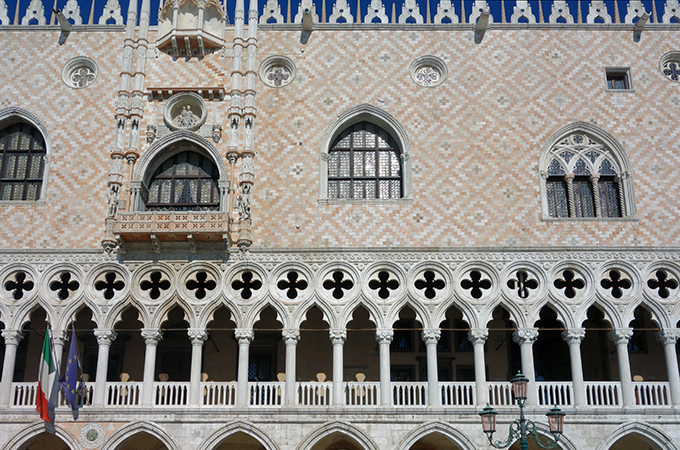 Third level Byzantine patterned stone and second level balcony quatrefoils atop columns, Palazzo Ducale, 1340 and after, Venice