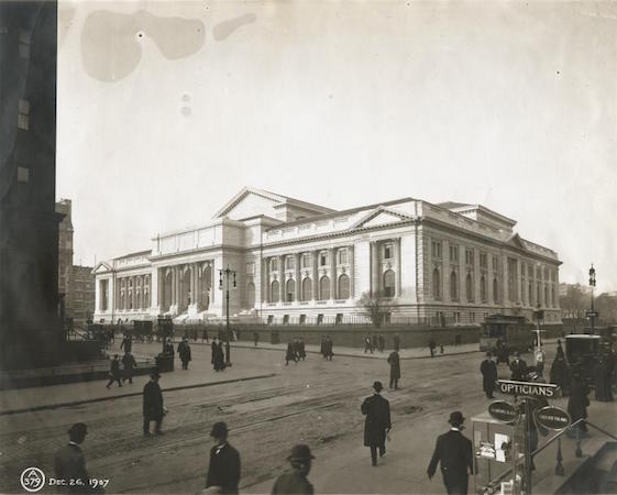 Front façade of The New York Public Library, December 26, 1907 (NYPL Digital Collections)