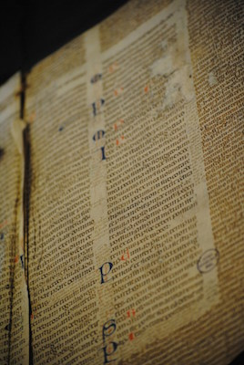 Leiden, University Library, BPL MS 2888 (Italy, 13th century) (Photo: Julie Somers, Turning Over a New Leaf, CC BY-NC-ND 2.0)