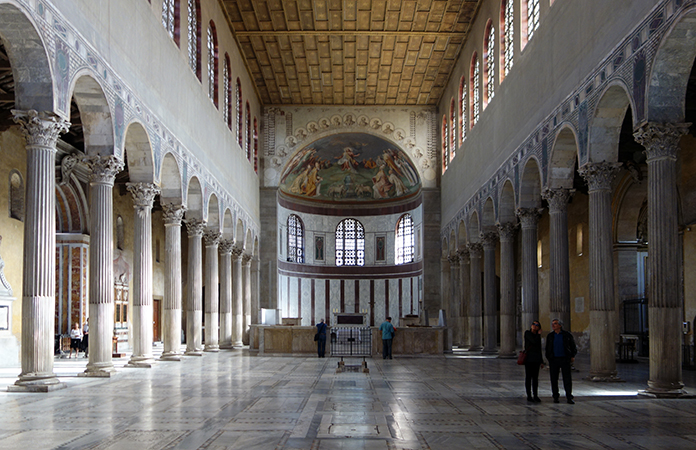 View down the nave toward the apse with altar, Basilica of Santa Sabina, c. 432 C.E., Rome (photo: Steven Zucker, CC BY-NC-SA 2.0)