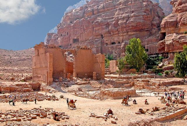 Qasr el-Bint, Petra (Jordan), c. 9 B.C.E. - 40 C.E. (photo: Dennis Jarvis, CC BY-SA 2.0)