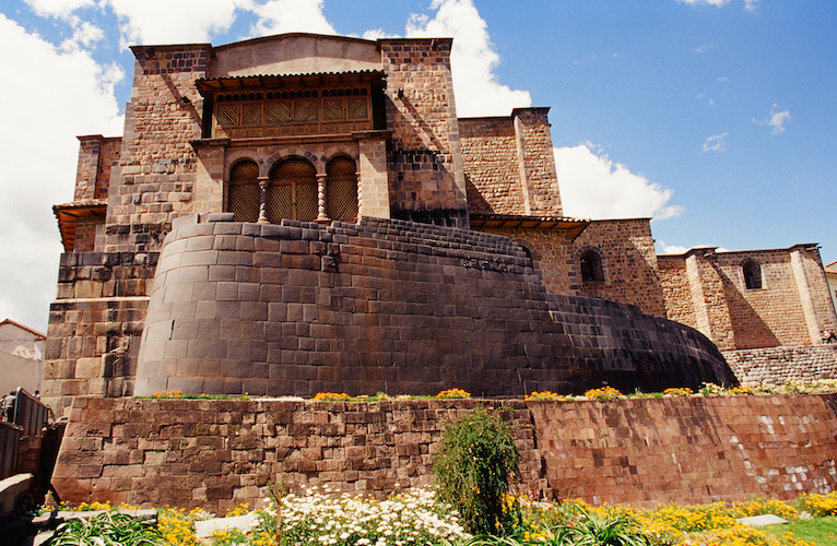 Foreground, Ruins of the Qorikancha (the Convent of Santo Domingo above), Cuzco, Peru (photo: Terry Feuerborn, CC BY-NC 2.0)