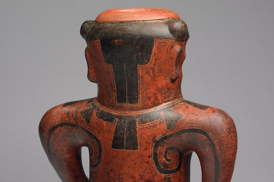 Back of head and torso (detail), Doe Shaman Effigy, Costa Rica/Nicaragua, c. 500 B.C.E.-300 C.E., ceramic, 32 x 26 x 18 cm (Michael C. Carlos Museum, Emory University) (photo: Bruce M. White)