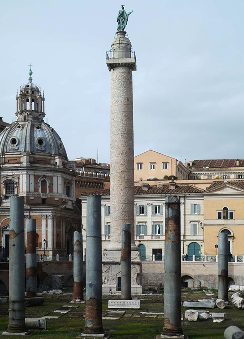 Column of Trajan, Carrera marble, completed 113 C.E., Rome, dedicated to Emperor Trajan in honor of his victory over Dacia (now Romania) 101-02 and 105-06 C.E. (photo: Steven Zucker, CC BY-NC-SA 2.0)
