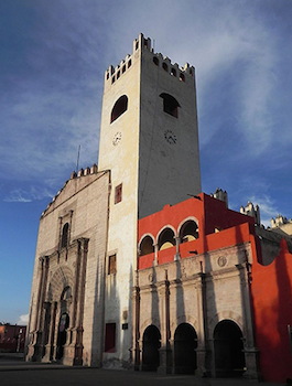 Façade of convent church and convent, San Nicolás de Tolentino, 1546 and after, Actopan, Hidalgo, Mexico (photo: SAHER, CC BY-SA 3.0)