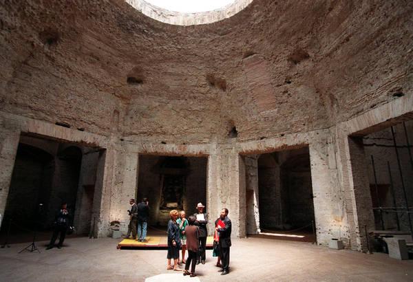 Severus and Celer, octagon room, Domus Aurea, Rome, c. 64-68 C.E. (photo source)