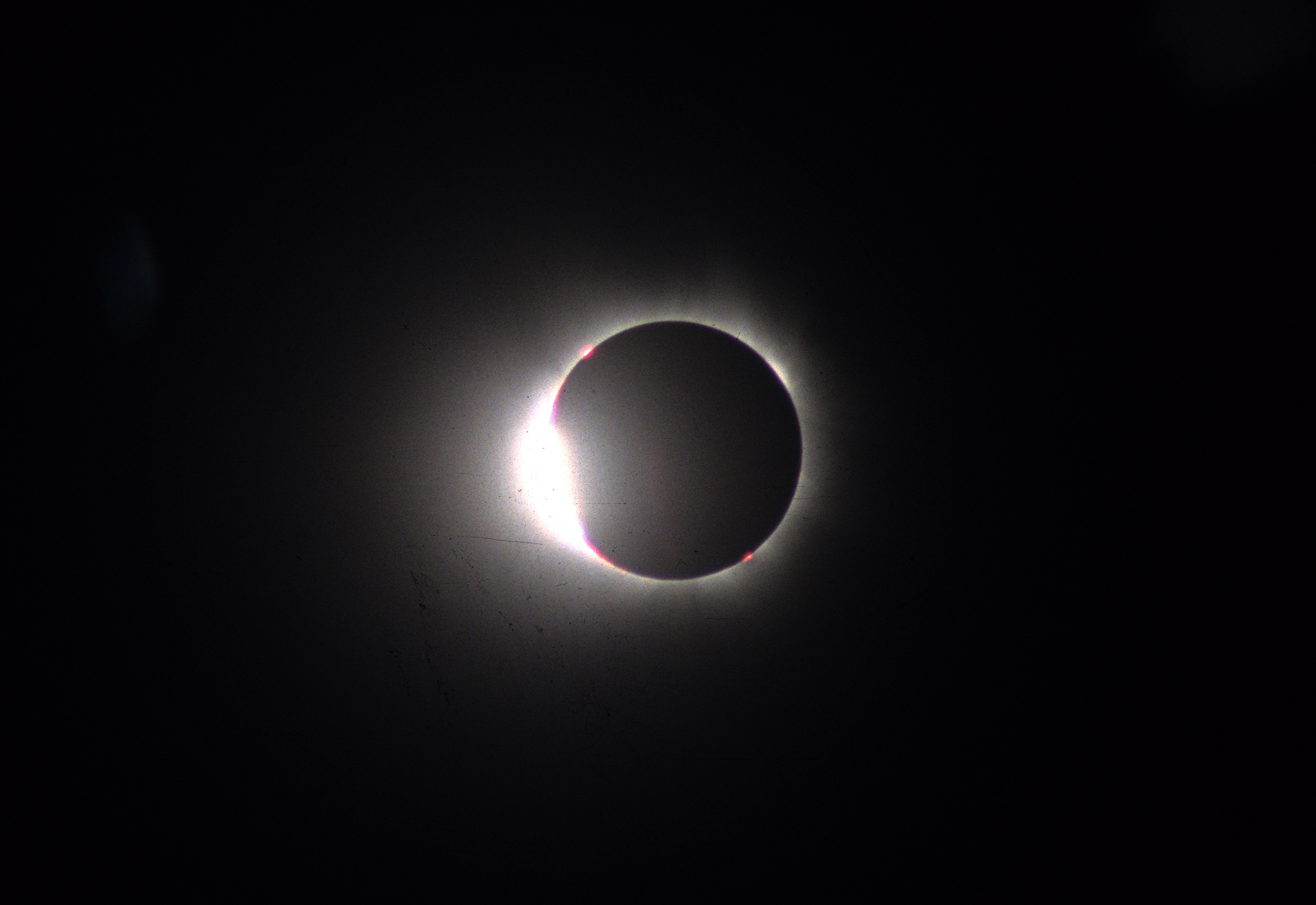 Solar eclipse 2017 article khan academy figure 6 diamond ring effect image from wikimedia commons cc by 20 pooptronica Image collections