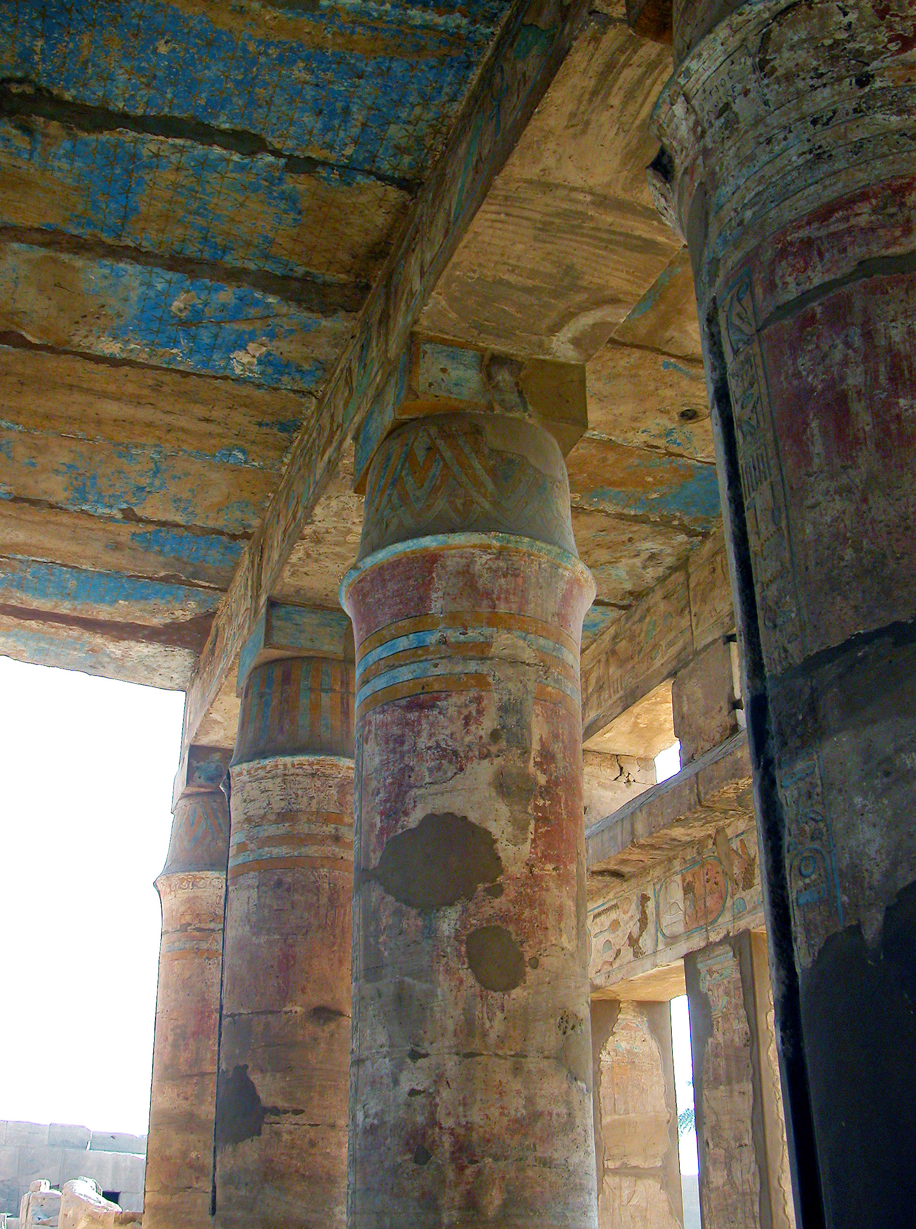 """Tent pole"" columns, Festival Temple of Thutmose III, c. 1479-25 B.C.E., sandstone, mud brick, paint, Karnak, at Luxor, Egypt (photo: Dennis Jarvis, CC: BY-SA 2.0)"