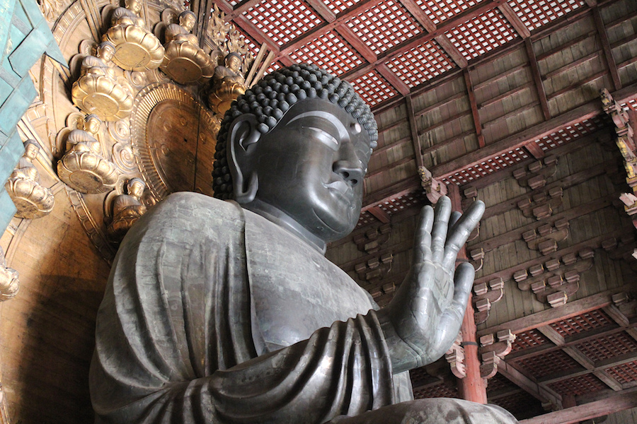 The Great Buddha (Daibutsu), 17th century replacement of an 8th century sculpture, Todai-ji, Nara, Japan (photo: throgers, CC BY-NC-ND 2.0)