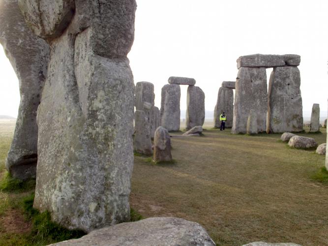 Stonehenge, Salisbury Plain, Wiltshire, England, c. 2550-1600 B.C.E., circle 97 feet in diameter, trilithons: 24 feet high
