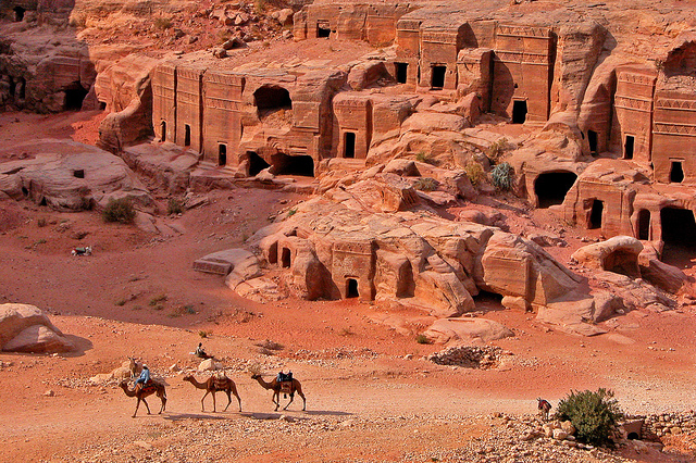 Tombs at Petra (Jordan) (photo: Dennis Jarvis, CC BY-SA 2.0)
