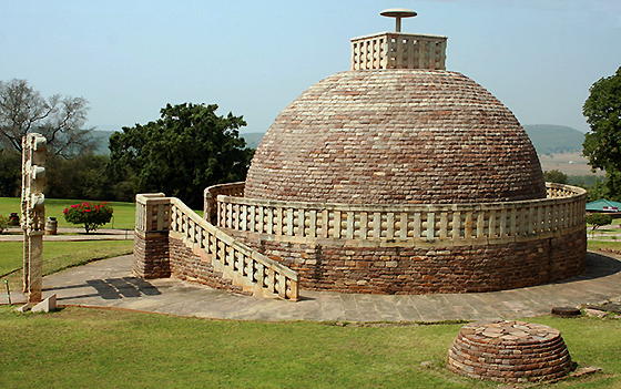 Stupa 3, 1st c., Sanchi, India (photo: Nagarjun Kandukuru, CC: BY 2.0)