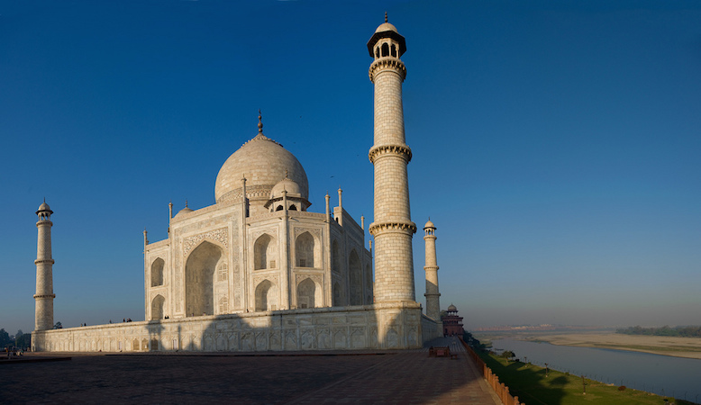 Taj Mahal and Yamuna River (photo: Louis Vest, CC BY-NC 2.0)