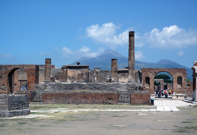 Forum, Pompeii, looking toward Mt. Vesuvius (photo: Steven Zucker, CC BY-NC-SA 2.0)