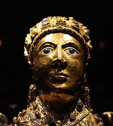 Head (detail), Reliquary statue of Sainte-Foy (Saint Faith), late 10th to early 11th century with later additions, gold, silver gilt, jewels, and cameos over a wooden core, 33-1/2 inches (Treasury, Sainte-Foy, Conques) (photo: Holly Hayes, CC BY-NC 2.0)
