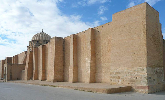 Exterior of the Quibla Wall, Great Mosque of Kairouan (photo: Gavinother, CC BY 2.0)