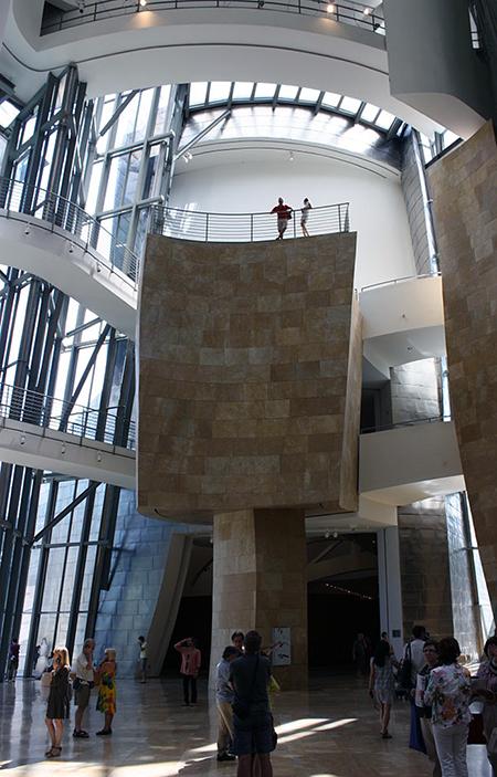 Atrium, Frank Gehry, Guggenheim Museum Bilbao, 1993-97 (photo:Ardfern, CC BY-SA 3.0)