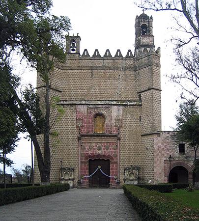 Portada del Convento Franciscano Huejotzingo, c. 1520s - 1530s, Huejotzingo, Puebla, Mexico (photo: C. Garza, CC BY-SA 2.5)