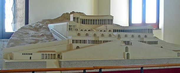 Model of the Sanctuary of Fortuna Primigenia, from the archeological museum, Palestrina (image, CC BY-SA 3.0)