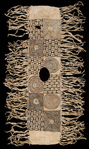 Tiputa (Poncho), 19th Century, Niue (Te Papa, New Zealand), photo: CC BY-NC-ND