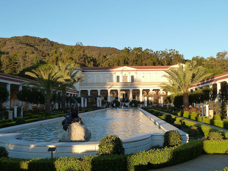 The outer Peristyle Garden of the Getty Villa Roman gardens (photo: Dave & Margie Hill / Kleerup, CC BY-SA 2.0)