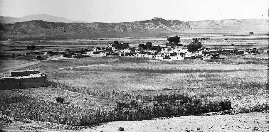John K. Hillers, San Ildefonso (detail), New Mexico, c. 1871 - 1907 (photo: Smithsonian Institution, Bureau of American Ethnology, National Archives and Records Administration #523752)