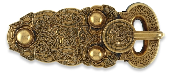 Belt Buckle, Sutton Hoo, gold, 13.2 x 5.6 cm (The British Museum)