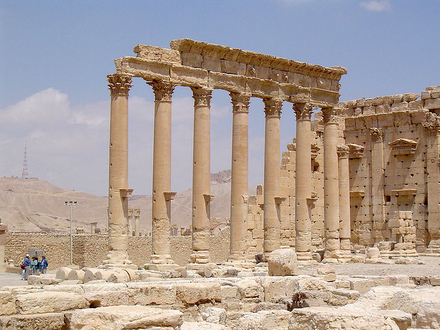 Columns in the inner court of the temple of Bel (photo: ian.plumb, CC BY 2.0)