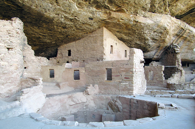 Kiva at Spruce Tree House, Mesa Verde National Park (photo: Doug Kerr, CC BY-SA 2.0)