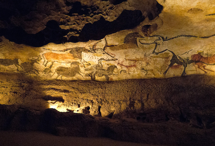 Left wall of the Hall of Bulls, Lascaux II (replica of the original cave, which is closed to the public). Original cave: c. 16,000-14,000 BCE, 11 feet 6 inches long