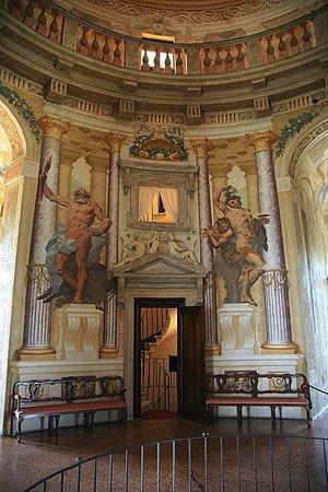 Andrea Palladio with modifications by Vicenzo Scamozzi, interior of Villa Rotonda (formerly Villa Capra), 1566-1590s, near Vicenza, Italy (photo: Hans A. Rosbach, CC BY-SA 3.0))