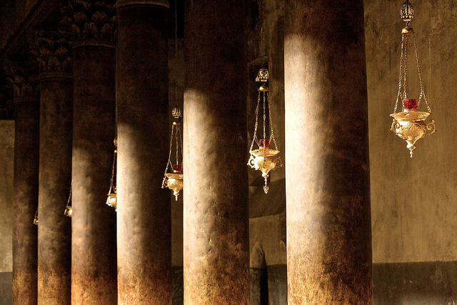 Lamps, Church of the Nativity, Bethlehem (photo: _skynet, CC BY-NC-SA 2.0)