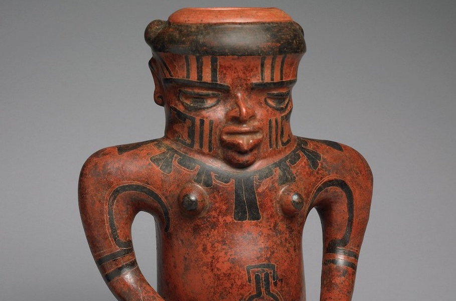 Head and shoulders (detail), Doe Shaman Effigy, Costa Rica/Nicaragua, c. 500 B.C.E.-300 C.E., ceramic, 32 x 26 x 18 cm (Michael C. Carlos Museum, Emory University) (photo: Bruce M. White)