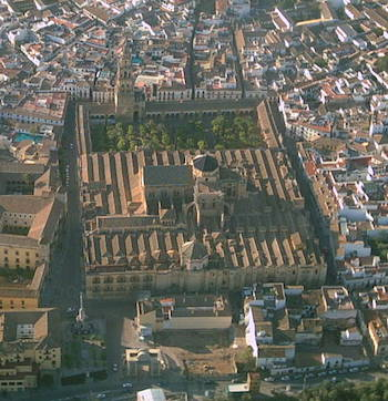 Great Mosque of Cordoba from the Air, Cordoba, Spain, begun 786 and enlarged during the 9th and 10th centuries (photo: Ulamm, CC BY-SA 3.0)