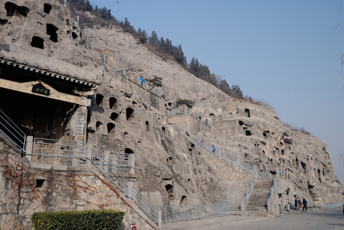 Longmen Caves, Luoyang, China, photo: jordi vilanova (CC BY-NC-ND 2.0)