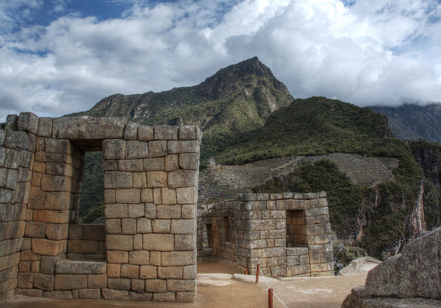 Stone walls and trapezoid-shaped windows, Machu Picchu, Peru, c. 1450–1540 (photo: Jill /Blue Moonbeam Studio, CC BY-NC-ND 2.0)