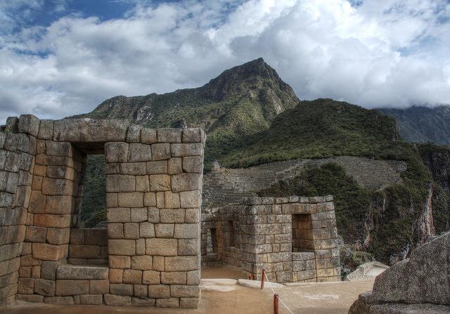 Stone walls and trapezoid-shaped windows, Machu Picchu, Peru, c. 1450–1540 (photo: Jill /Blue Moonbeam Studio, CC BY-NC-ND 2.0)