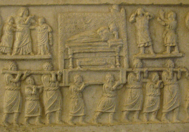 Male figure on funerary couch surrounded by funeral cortège (detial), Funerary procession, Amiternum, c. 50-1 B.C.E. (Museum, Aquila) (photo: Erin Taylor, CC BY-NC-ND 2.0)
