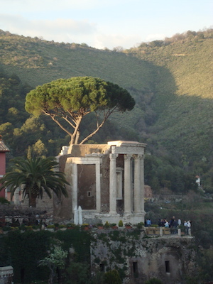 Temple of the Sibyl, Tivoli, c. 150-125 B.C.E., photo: LPLT