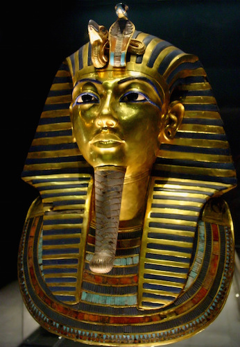 Death Mask from innermost coffin, Tutankhamun's tomb, New Kingdom, 18th Dynasty, c. 1323 B.C.E., gold with inlay of enamel and semiprecious stones (Egyptian Museum, Cairo) (photo: Bjørn Christian Tørrissen, CC BY-SA 3.0