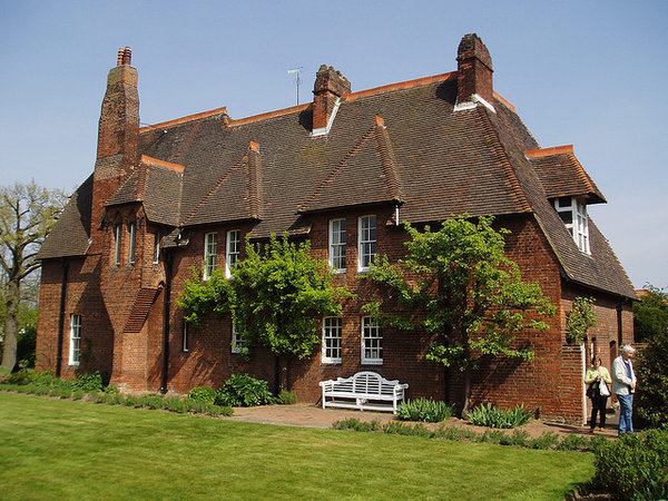 William morris and philip webb red house side bexleyheath england 1860 photo steve cadman cc by sa 2 0