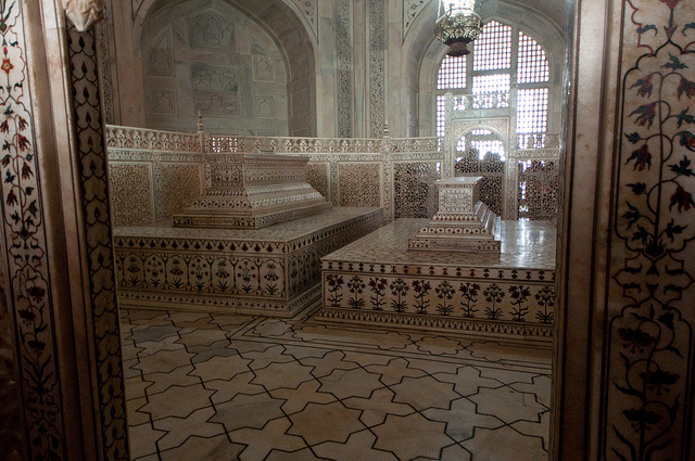 Cenotaphs, Taj Mahal, Agra, India, 1632-53 (photo: Derek A Young, CC BY-NC 2.0)