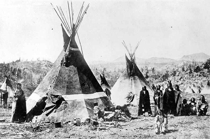 A Shoshone encampment in the Wind River Mountains, Wyoming, 1870 (photo: W. H. Jackson, Smithsonian Institution)